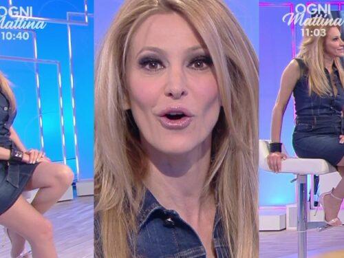 Adriana Volpe MINIGONNA JEANS DA STURBO 7 4 2021